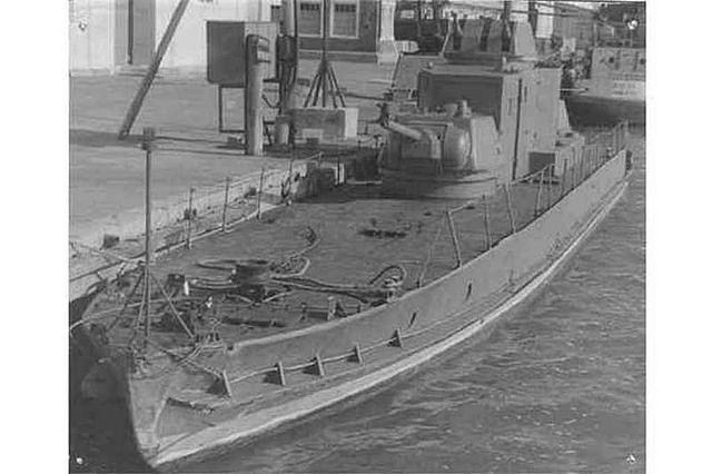Это фото сделанно в порту Рыбзавода в 1974 году