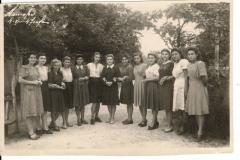 Третья слева, Вера Прокофьевна Катрак, учитель химии 2-й школы. Может народ ещё кого узнает...