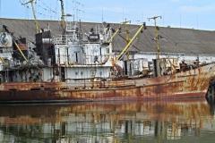 В порту ахтарского рыбозавода